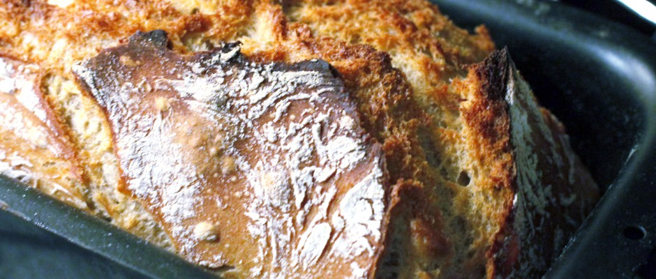 Zelf zuurdesem spelt brood bakken