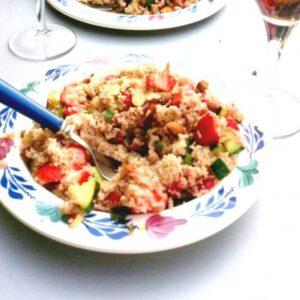 Spelt couscous met aardbeien, courgette en munt