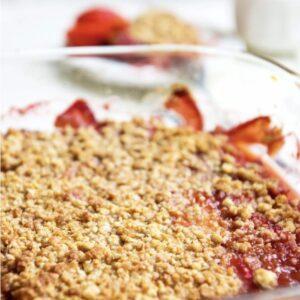 Rabarber aardbeien crumble
