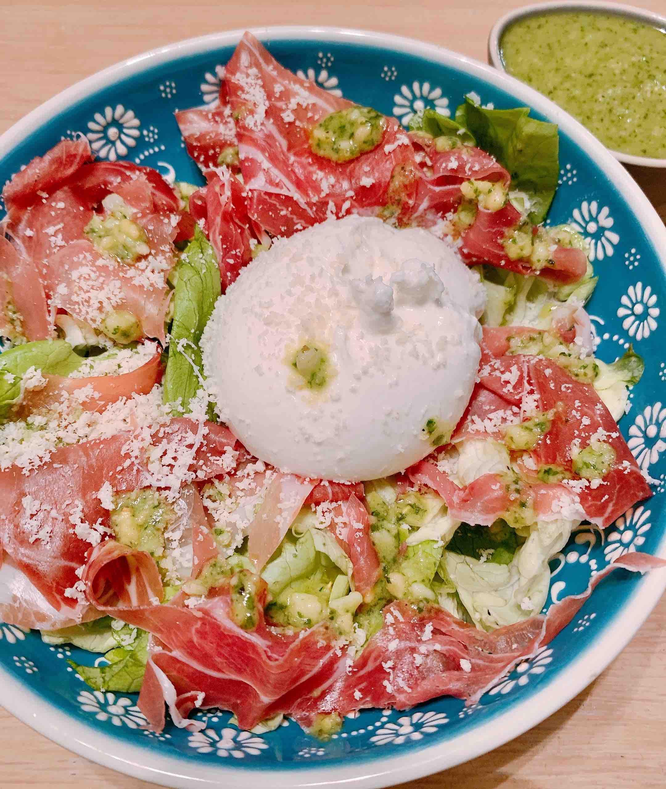 Salade met mozzarella en ham