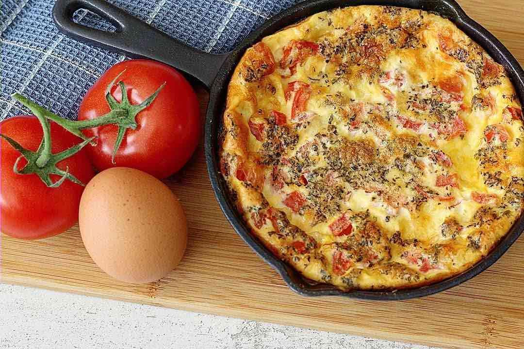 Caprese omelet uit de oven (low FODMAP, glutenvrij en lactosevrij)